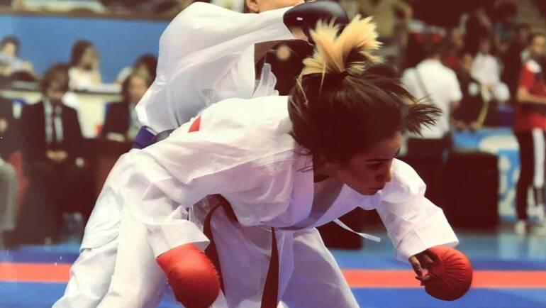 Salbă de medalii pentru karateka